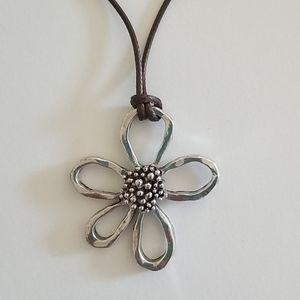 Mother Vintage Metal Rope Flower Necklace